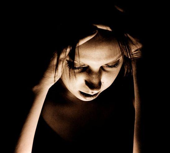 1024px-Migraine